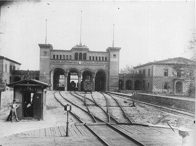 La stazione nel 1890